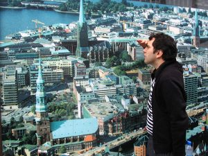 Potion: Hamburg-Michel scans the view